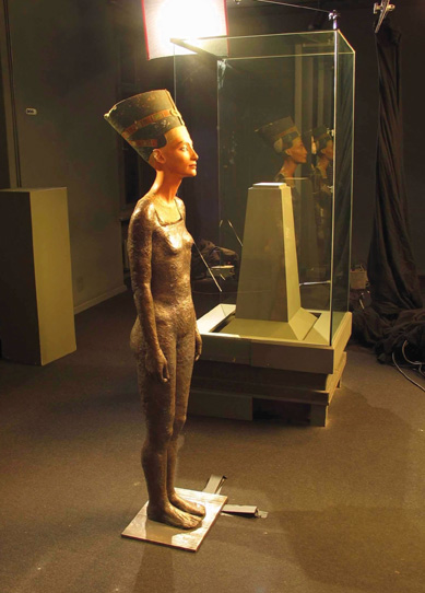 little-warsaw-the-body-of-nefertiti.jpg
